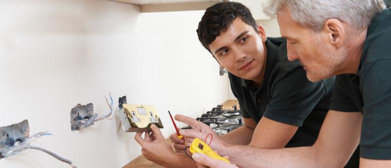 electrician apprenticeships torquay